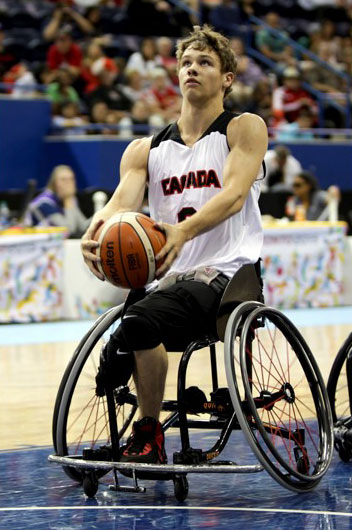 Liam Hickey playing wheelchair basketball